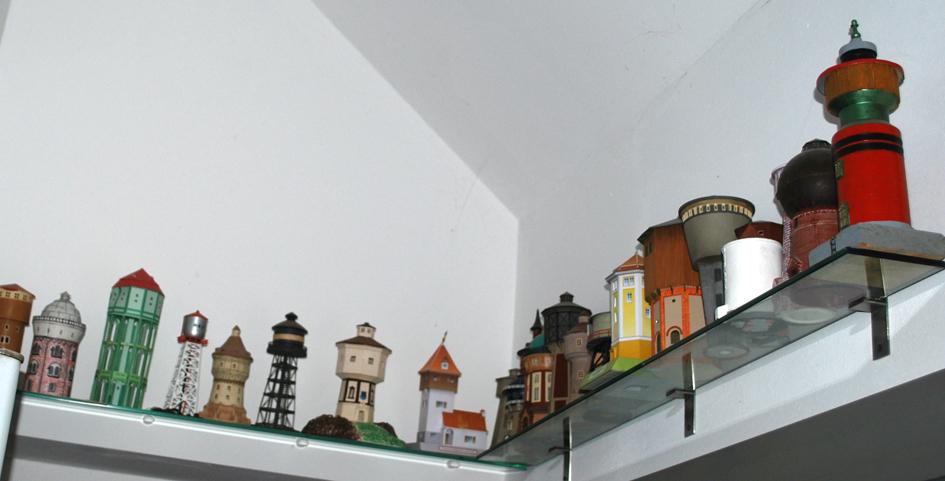 Auch Sammelobjekt: Modelle von Wassertürmen